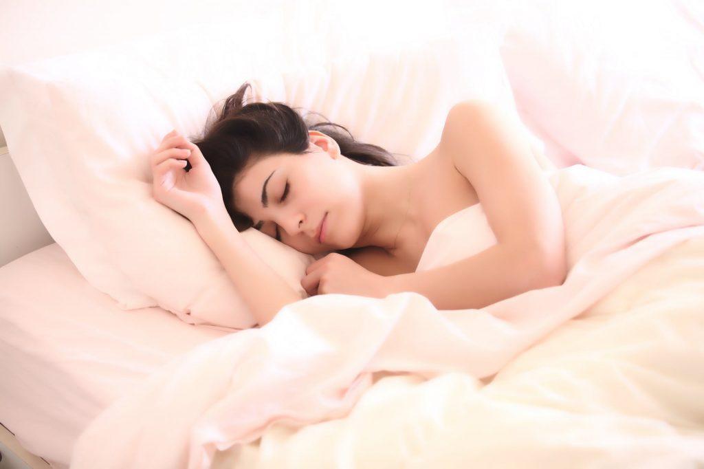 Enough-Sleep-Weight-Loss-Naturally