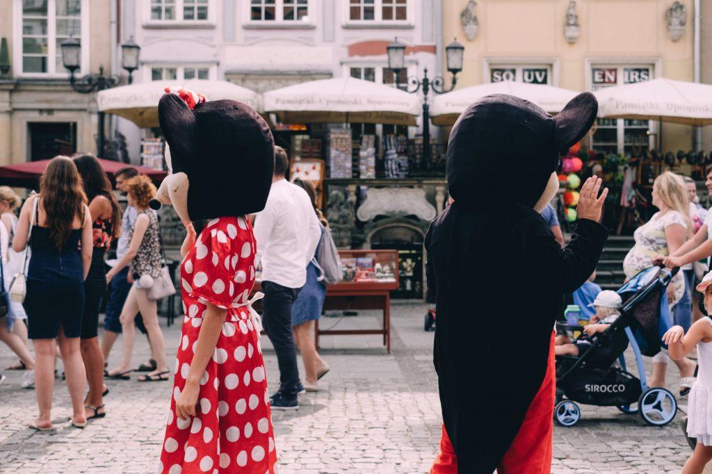 cartoon-mascot-wedding-party